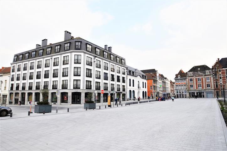 Immeuble à appartements - Tournai - #3851867-0