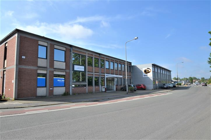 Immeuble de bureaux - Tournai - #3908922-0